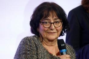 روث حليمي والدة ايلان حليمي خلال حفل لتقديم جائزة حليمي في باريس في 12 فبراير 2019