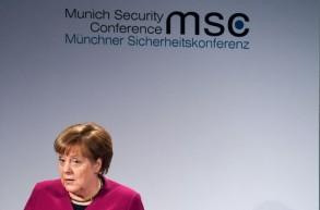 ميركل مخاطبة مؤتمر ميونخ للأمن