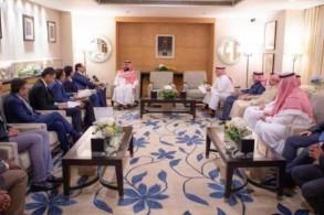 الأمير محمد بن سلمان لدى لقائه عدداً من الرؤساء التنفيذيين ومدراء كبرى الشركات الهندية