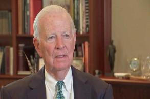 جيمس بايكر المحامي السابق لمكتب التحقيقات الفدرالي