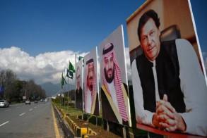 شوارع العاصمة الباكستانية تزينت بصور القيادتين السعودية والباكستانية وأعلام البلدين