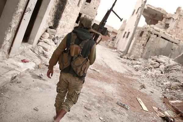 أحد مقاتلي تنظيم