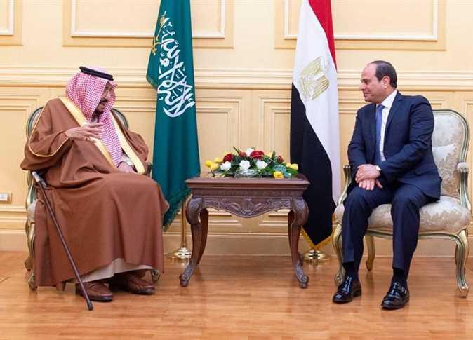 السيسي مستقبلا الملك سلمان في شرم الشيخ