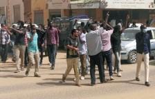 منظمو الاحتجاجات في السودان يدعون إلى مواصلة التظاهر