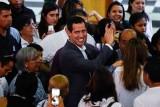 غوايدو يتحدى حظر السفر ويظهر في كولومبيا بمساعدة