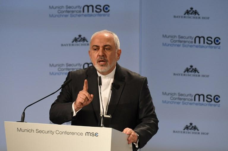 ظريف متحدثا أمام مؤتمر ميونخ للأمن