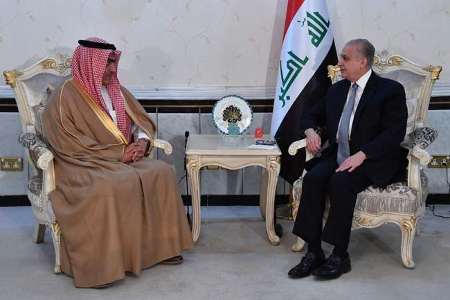 زير الدولة السعودي لشؤون الخليج العربي ثامر السبهان مجتمعا مع وزير الخارجية العراقي محمد علي الحكيم