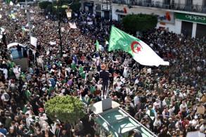 حشود المتظاهرين الجزائريين في العاصمة في 15 مارس 2019