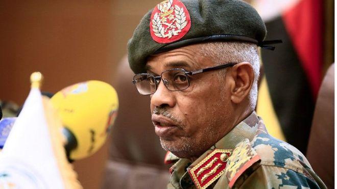 الجنرال عوض محمد أحمد بن عوف