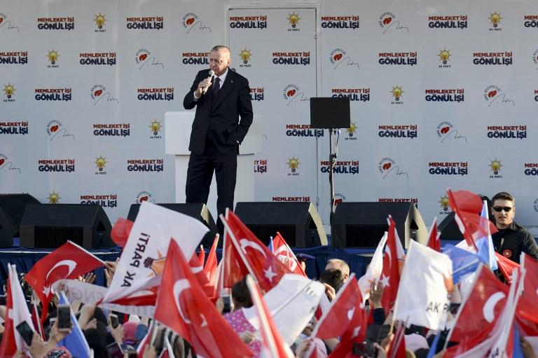 أردوغان خاطبا أمام أنصاره