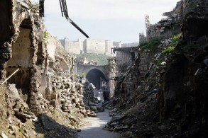أبنية مدمرة في مدينة حلب تنتظر إعادة اعمارها