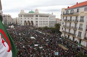 من تظاهرات يوم الجمعة الماضي في العاصمة الجزائرية