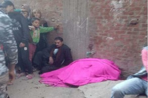جثة إحدى ضحايا إطلاق النار عشوائيًا