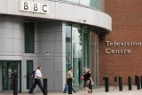 رئيس بي بي سي يدعو الحكومة إلى مساعدة القنوات التلفزيونية