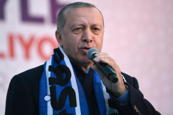 الرئيس التركي رجب طيب إردوغان خلال فعالية انتخابية