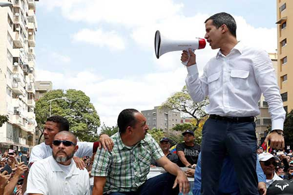 زعيم المعارضة في فنزويلا خوان غوايدو