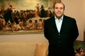 بلحسن الطرابلسي في مكتبه في تونس في سبتمبر 2010