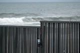 البنتاغون يوافق على صرف مليار دولار لبناء الجدار الحدودي مع المكسيك