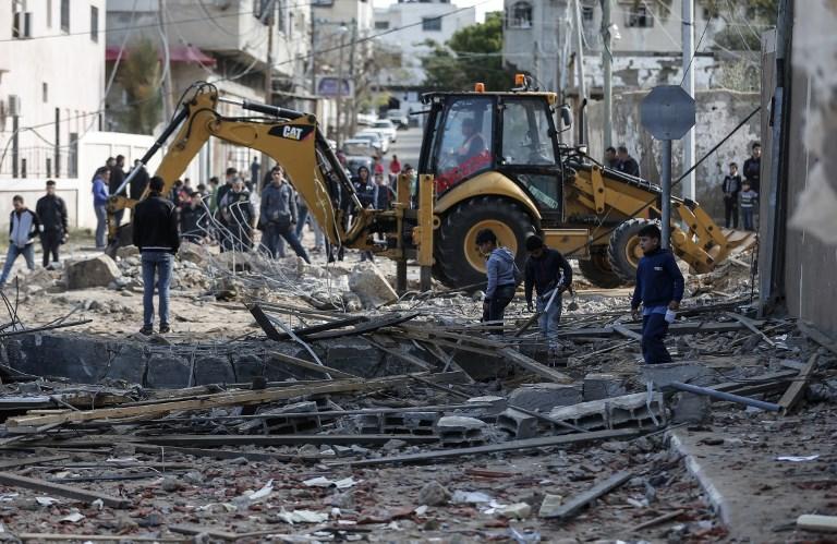 من آثار القصف الإسرائيلي ليلة أمس