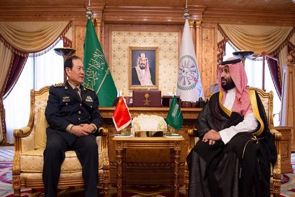 الأمير محمد بن سلمان خلال لقائه الفريق أول وي فونغ خاه