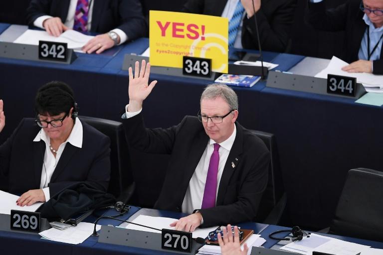 جلسة تصويت على حقوق الملكية في السوق الرقمية المشتركة في البرلمان الأوروبي في ستراسبورغ