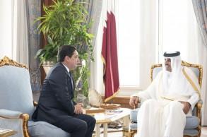 أمير قطر مستقبلا وزير خارجية المغرب
