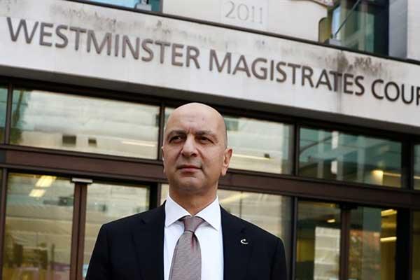 الملياردير التركي أكين إبيك أمام محكمة وستمنستر