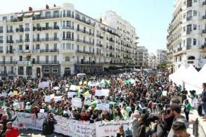 تظاهرة لطلاب في شوارع العاصمة الجزائرية في 16 إبريل 2019