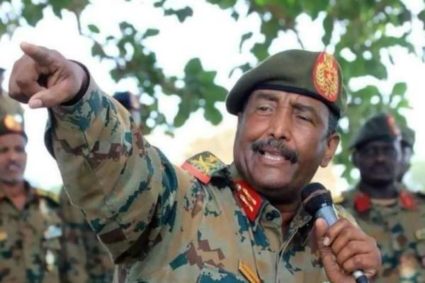 العسكري الانتقالي يؤدي اليمين (وكالة الأنباء السودانية)