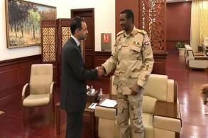 نائب رئيس المجلس العسكري الانتقالي مستقبلا السفير البريطاني