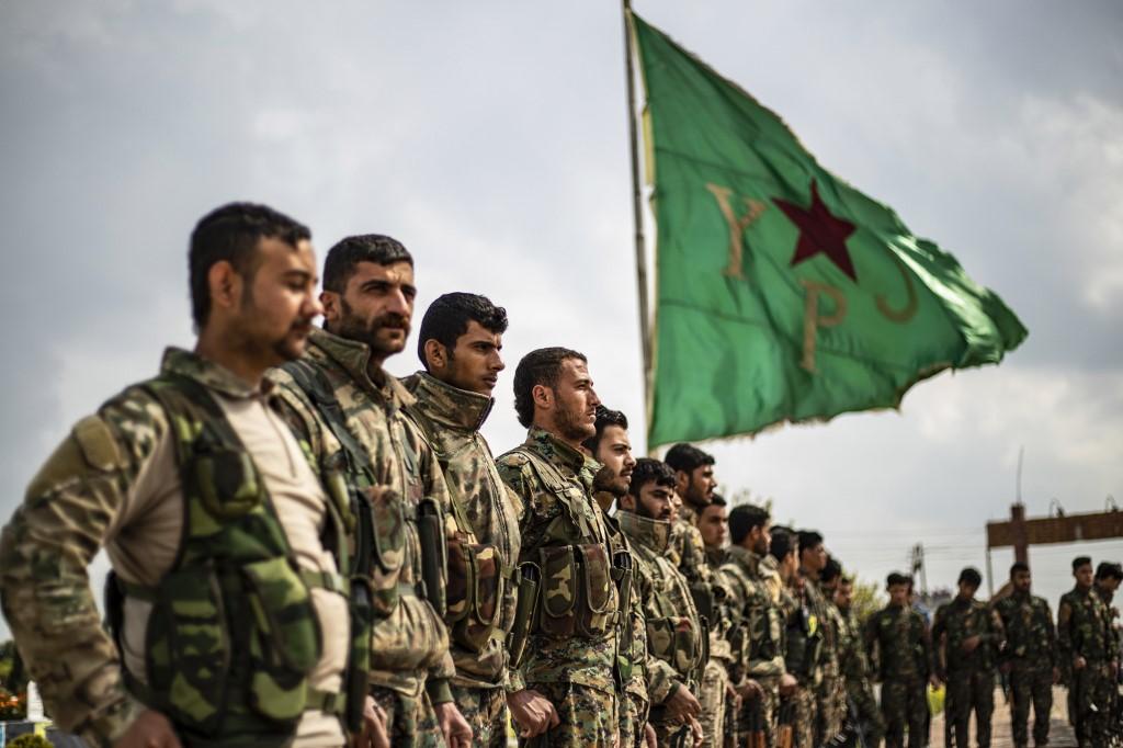 قوات سوريا الديمقراطية تسلم العراق