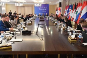 اجتماع التحالف الدولي لهزيمة داعش خلال اجتماعه في بغداد اليوم