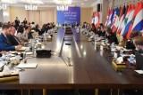التحالف الدولي يبحث تسريع نقل مناطق العراق المحررة من الاستقرار إلى الإعمار