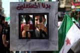 النظام السوري والمعارضة يتبادلان معتقلين