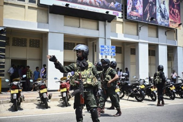 عناصر من الشرطة السريلانكية