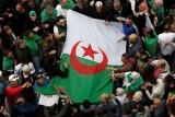 الجزائر: الشرطة تعتقل خمسة رجال أعمال كبار