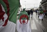 آلاف الطلاب الجزائريين يتظاهرون مجددا مطالبين برحيل