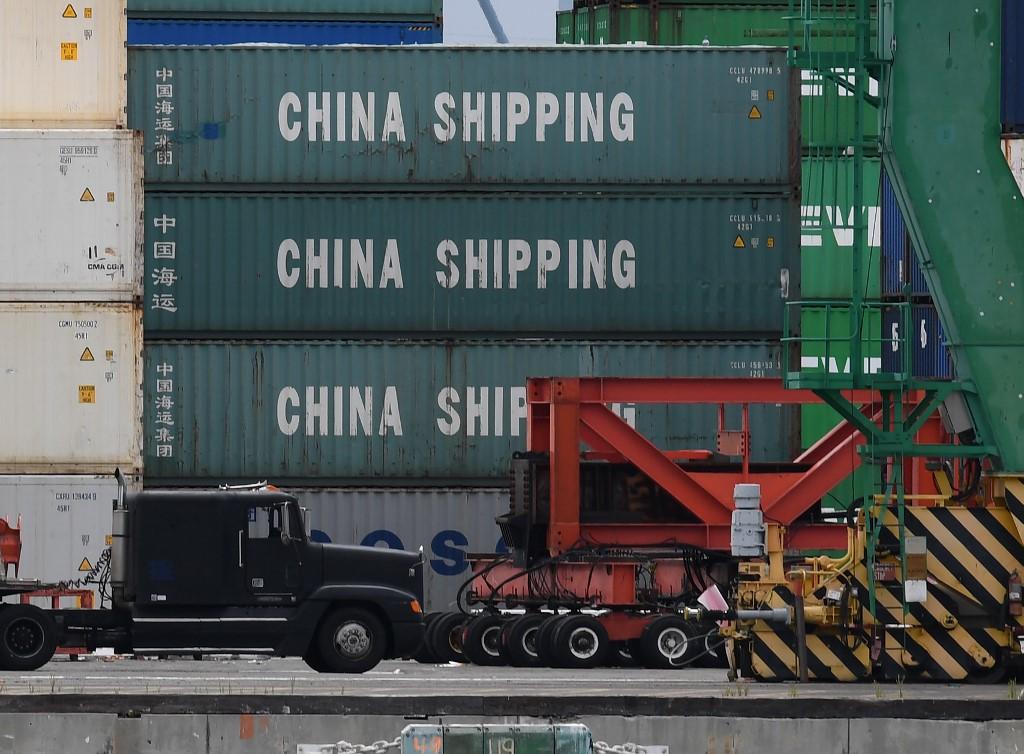 ترمب فرض رسوما جمركية مرتفعة على السلع الصينية