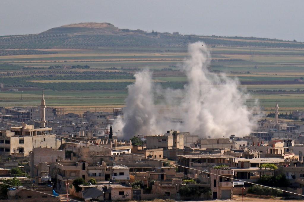 النظام السوري يكثف هجماته على إدلب