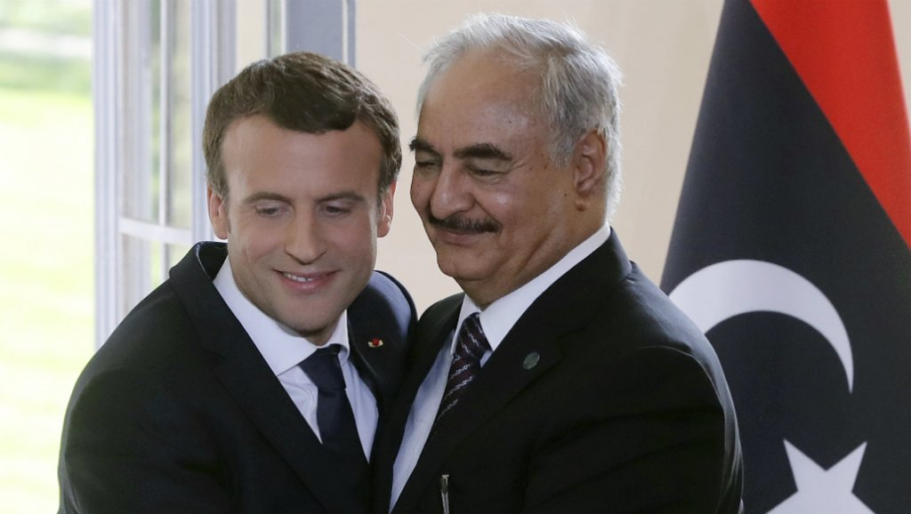لقاء سابق بين حفتر وماكرون في باريس