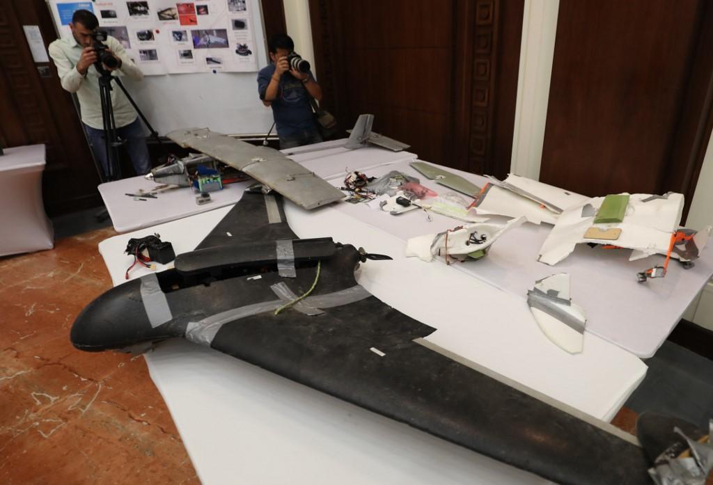 طائرة مسيرة حوثية دون طيار عرضتها الإمارات بعد اسقاطها في اليمن