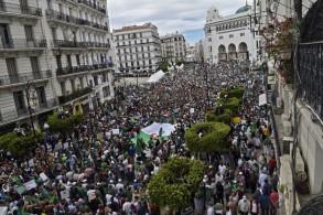 من تظاهرات يوم الجمعة 13 في العاصمة الجزائرية