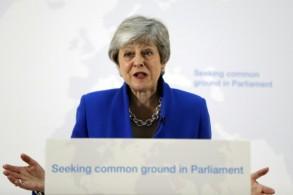 رئيسة الوزراء البريطانية تيريزا ماي تلقي خطاباً في وسط لندن في 21 مايو 2019