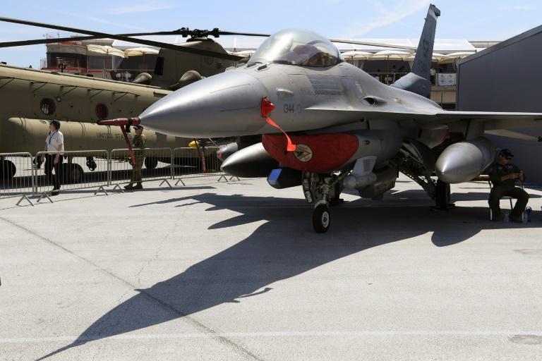 مقاتلة اف-16 في معرض لوبورجيه للطيران في 20 حزيران/يونيو 2017