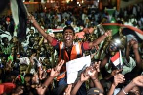 قوى الاحتجاج في السودان تدعو لاضراب عام ردا على تعثر مفاوضاتها مع الجيش حول انتقال السلطة