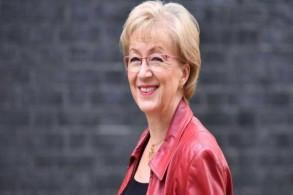 الوزيرة البريطانية لشؤون البرلمان أندريا ليدسوم