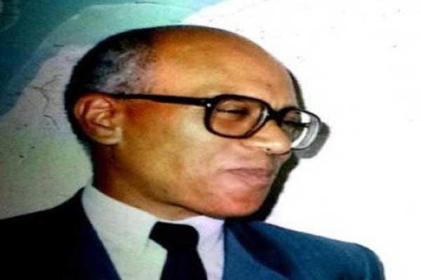 الوزير السابق الطيب بن الشيخ