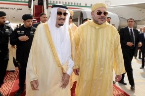 الملك سلمان بن عبد العزيز والملك محمد السادس.