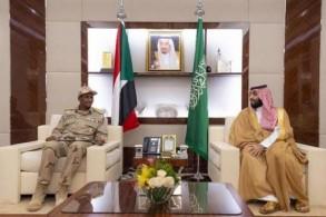 الأمير محمد بن سلمان مستقبلا الفريق أول محمد حمدان