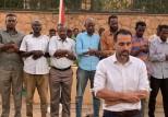 سفير بريطانيا لدى السودان يقيم مأدبة إفطار ويؤمّ المصلين أمام منزله
